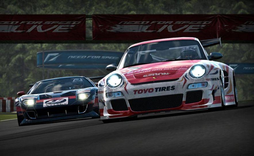 2009 BMW M3 GT2 and 2008 Porsche 911 GT3 RS screenshot - Slide 2