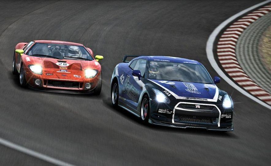 2009 BMW M3 GT2 and 2008 Porsche 911 GT3 RS screenshot - Slide 14