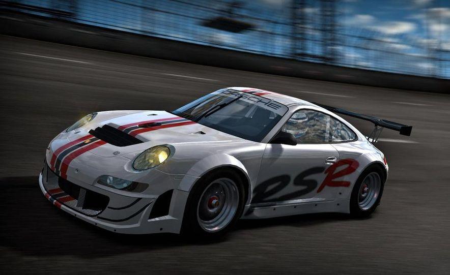 2009 BMW M3 GT2 and 2008 Porsche 911 GT3 RS screenshot - Slide 4