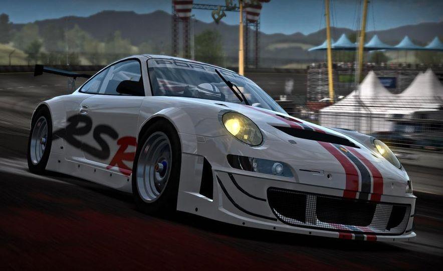 2009 BMW M3 GT2 and 2008 Porsche 911 GT3 RS screenshot - Slide 5