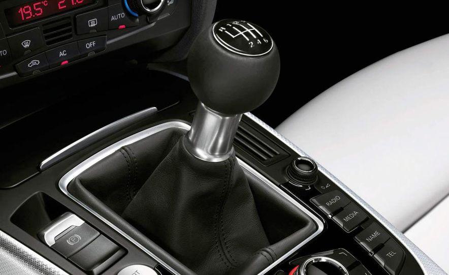 2008 Audi A5 2.7 TDI (European spec) interior - Slide 4