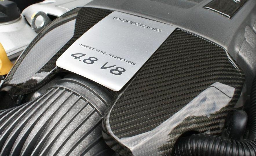 2009 Porsche Cayenne Turbo S - Slide 16