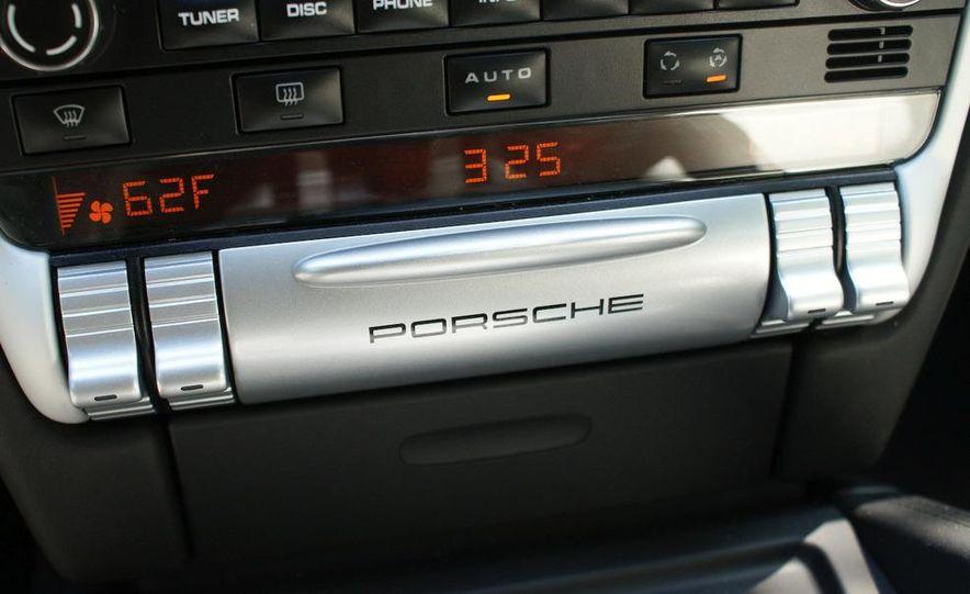 2009 Porsche Cayenne Turbo S - Slide 34
