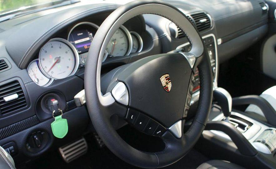 2009 Porsche Cayenne Turbo S - Slide 42
