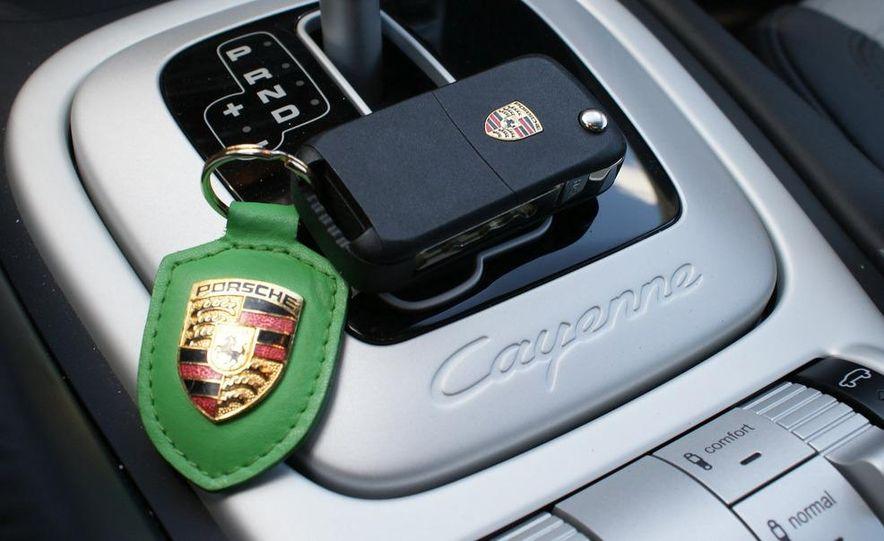 2009 Porsche Cayenne Turbo S - Slide 36