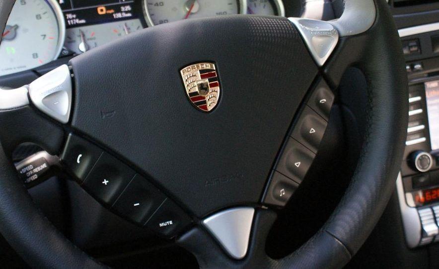 2009 Porsche Cayenne Turbo S - Slide 32