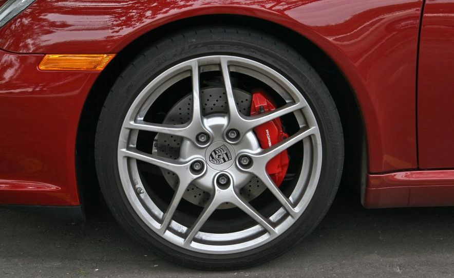 2009 Porsche 911 Carrera S manual wheel - Slide 1