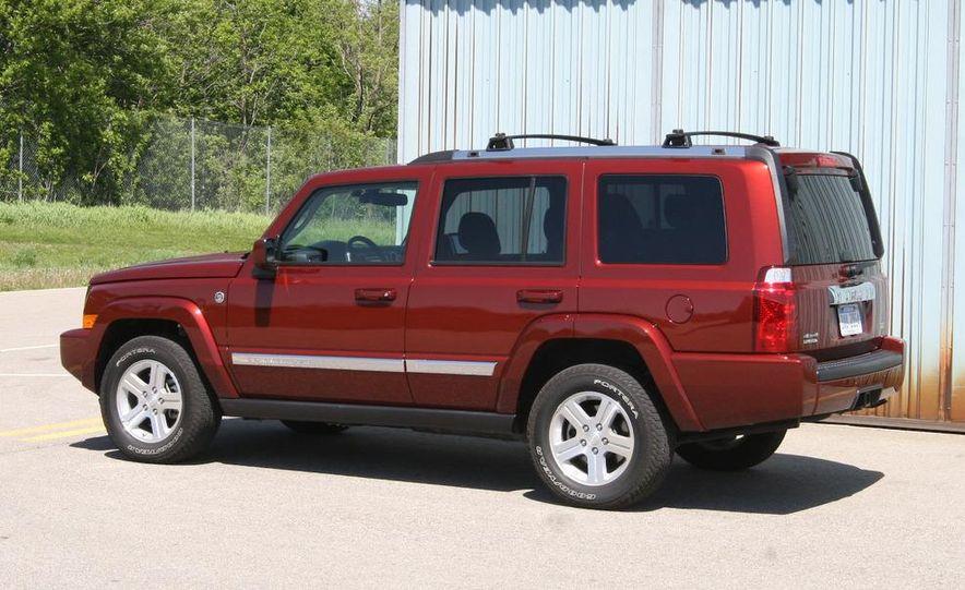 2009 Jeep Commander Limited - Slide 4