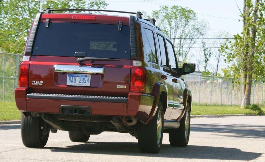 2009 Jeep Commander Limited - Slide 14