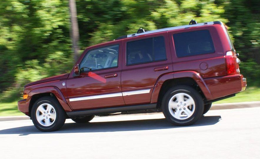 2009 Jeep Commander Limited - Slide 18