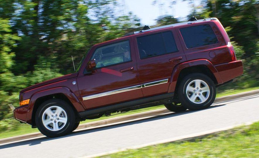 2009 Jeep Commander Limited - Slide 21