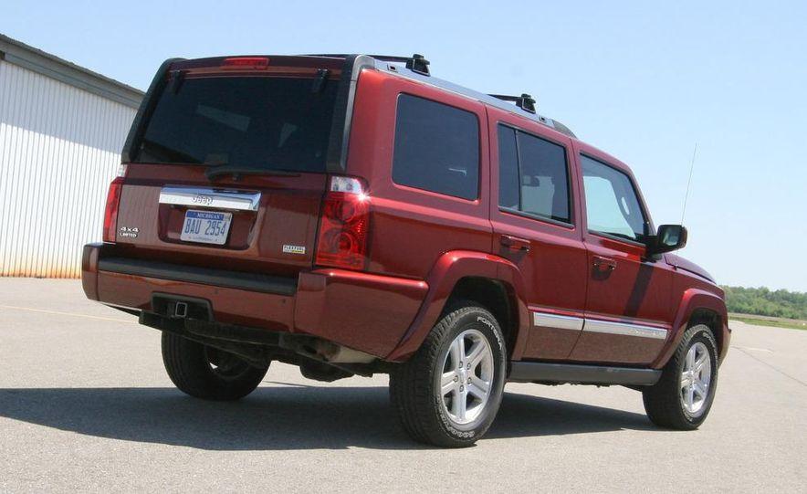 2009 Jeep Commander Limited - Slide 24
