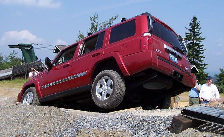 2009 Jeep Commander Limited - Slide 26