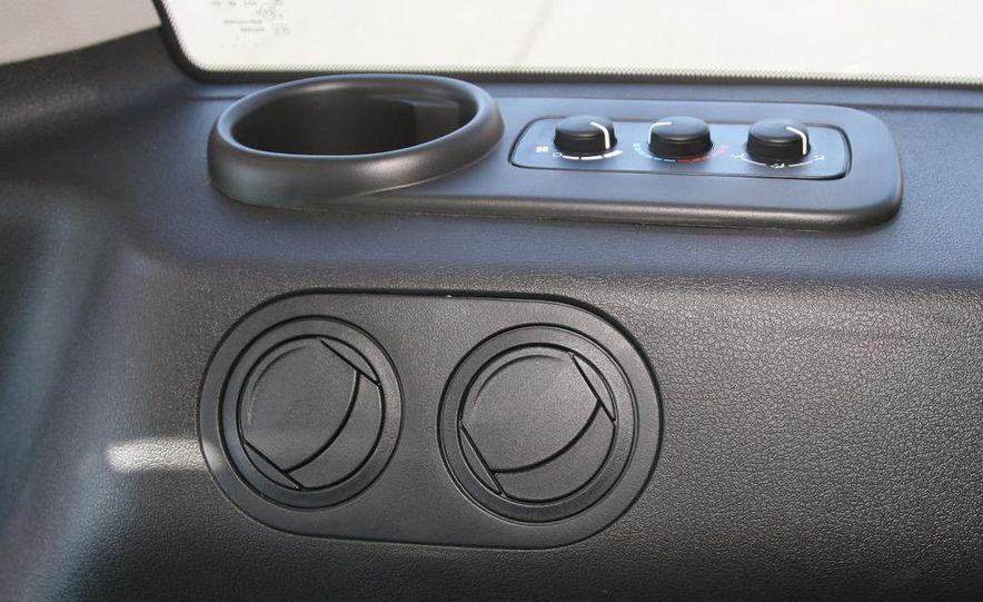 2009 Jeep Commander Limited - Slide 52