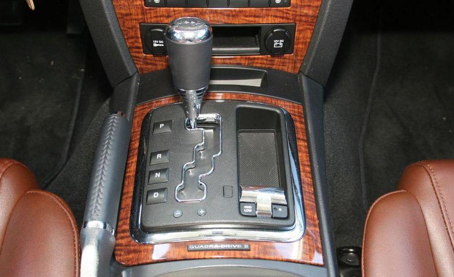 2009 Jeep Commander Limited - Slide 41