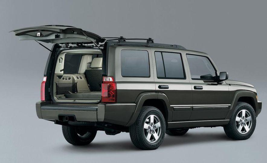 2009 Jeep Commander Limited - Slide 32