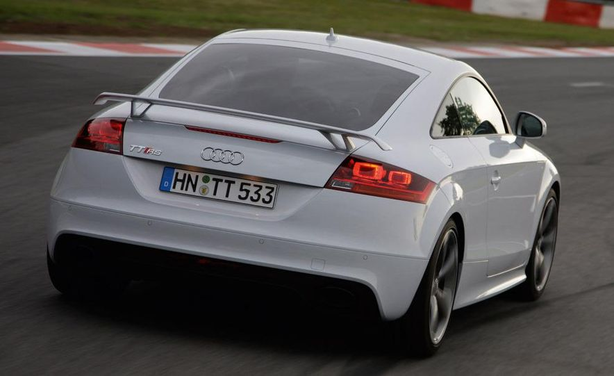 2010 Audi TT RS coupe - Slide 24