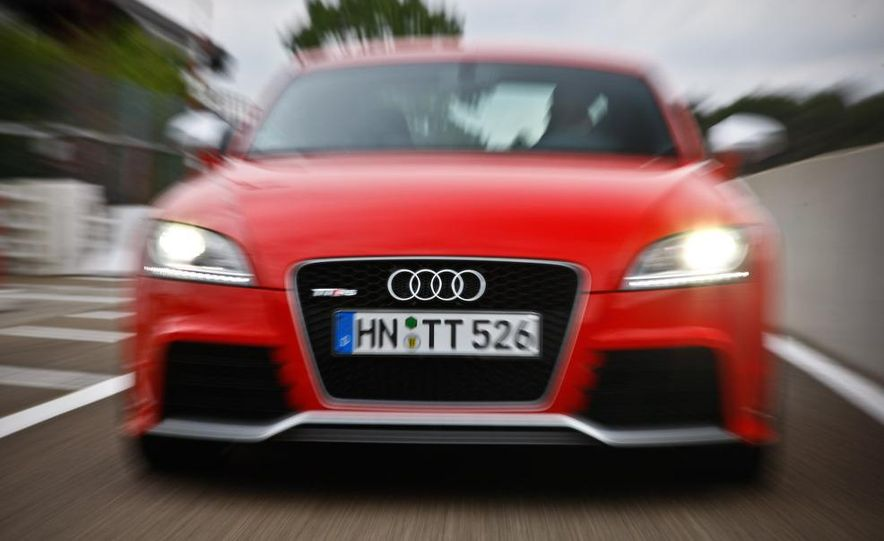 2010 Audi TT RS coupe - Slide 4