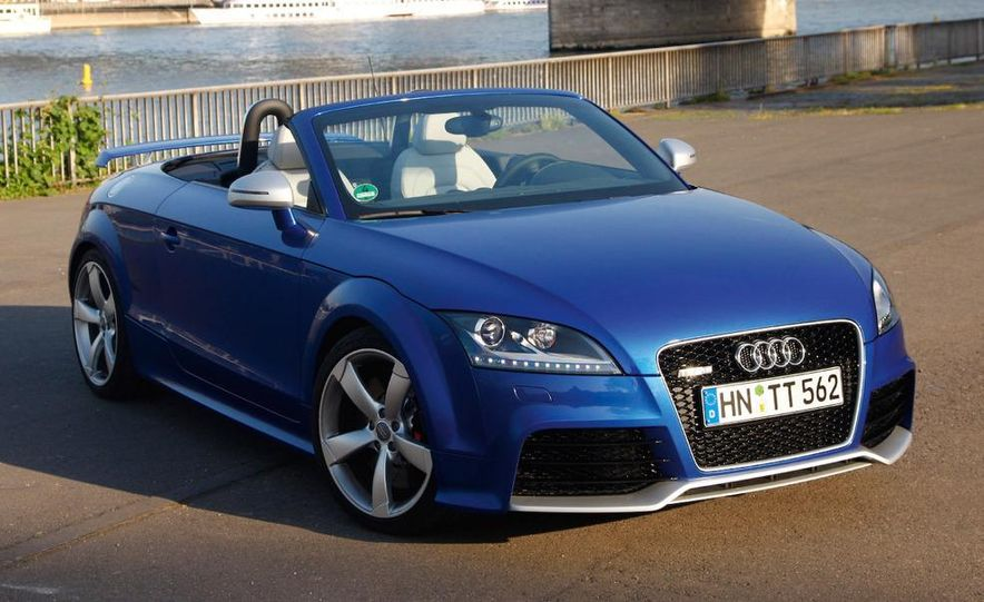 2010 Audi TT RS coupe - Slide 16