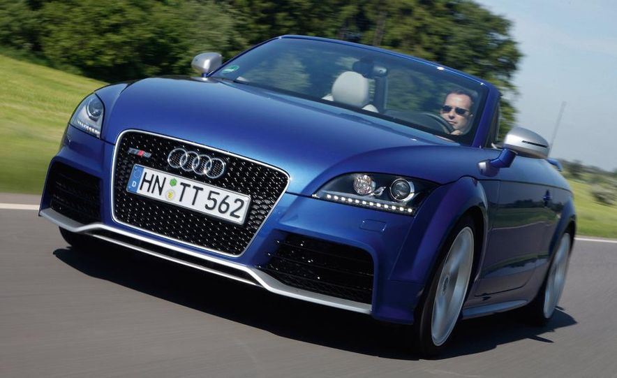 2010 Audi TT RS coupe - Slide 8