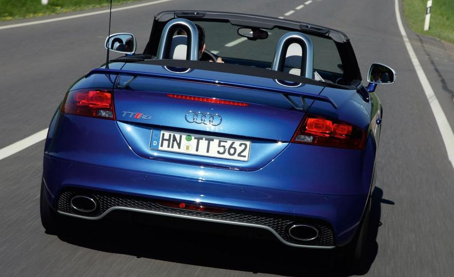 2010 Audi TT RS coupe - Slide 10