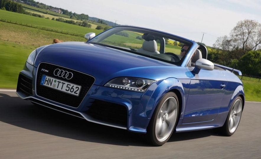 2010 Audi TT RS coupe - Slide 13
