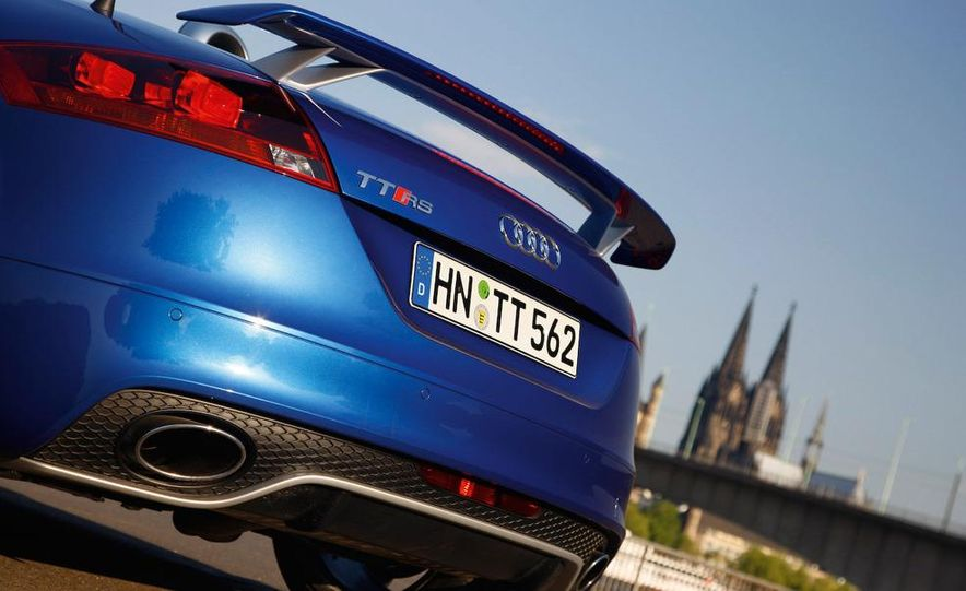 2010 Audi TT RS coupe - Slide 17
