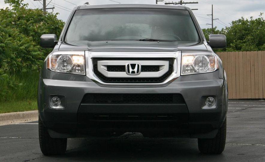 2009 Honda Pilot Touring 4WD - Slide 9