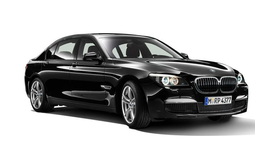 2010 BMW 7-series with M Sports Package (Euro-spec) - Slide 1