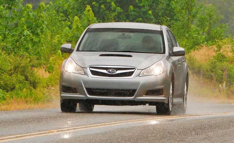 2010 Subaru Legacy 2.5GT - Slide 18