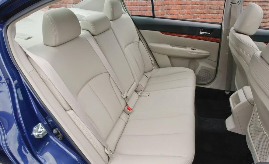 2010 Subaru Legacy 2.5GT - Slide 41