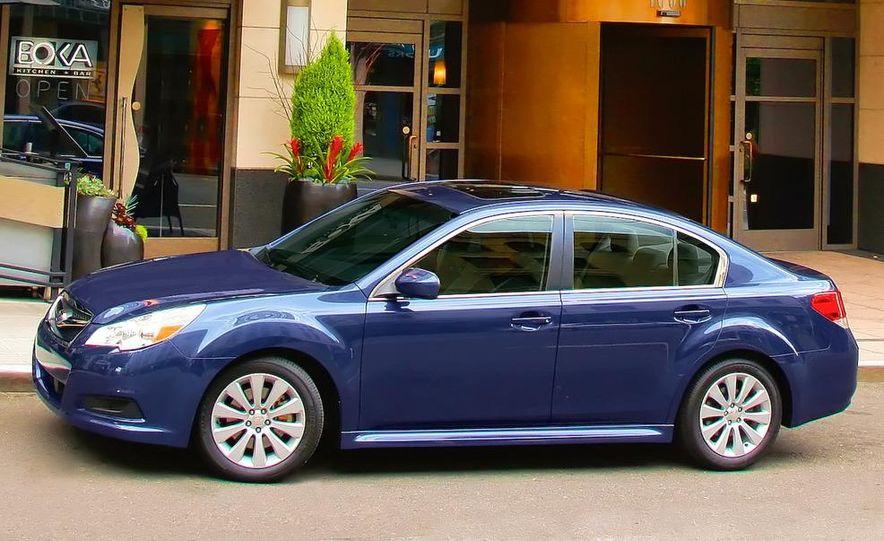 2010 Subaru Legacy 2.5GT - Slide 28