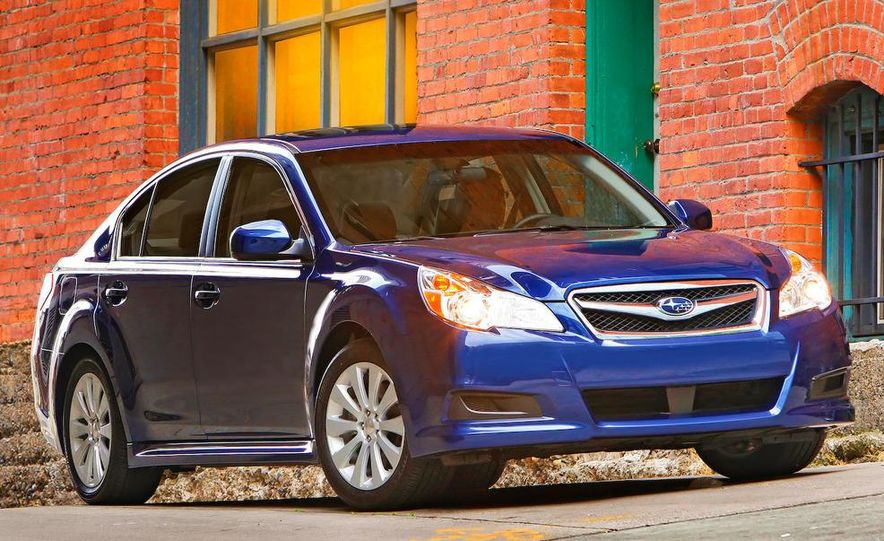 2010 Subaru Legacy 2.5GT - Slide 29