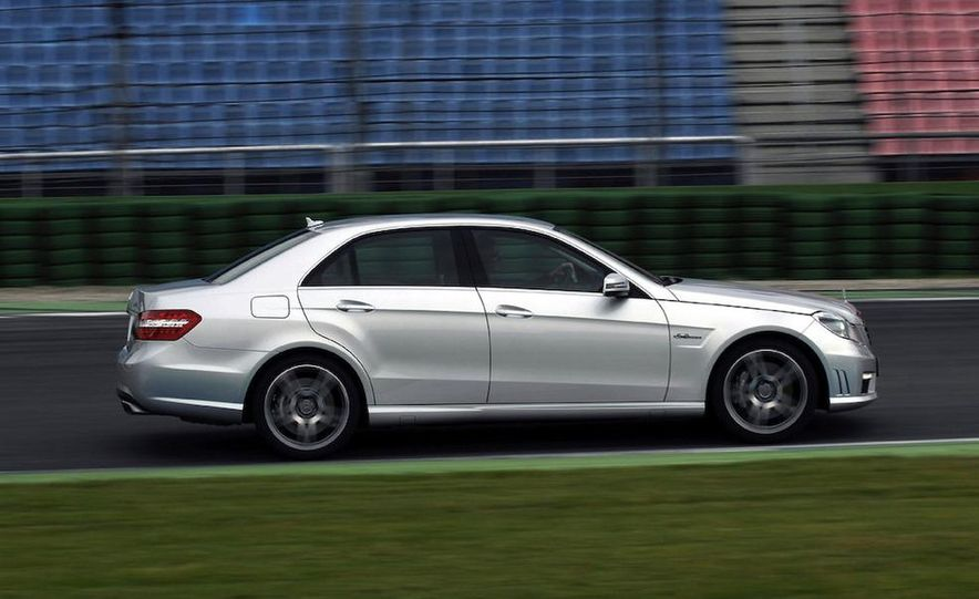 2010 Mercedes-Benz E63 AMG sedan - Slide 19