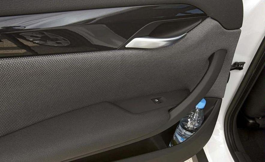 2011 BMW X1s - Slide 43