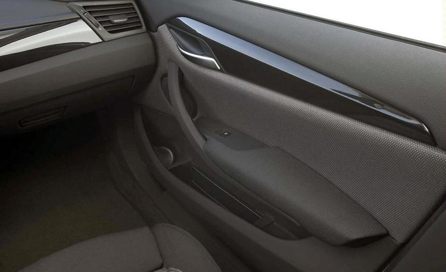 2011 BMW X1s - Slide 44