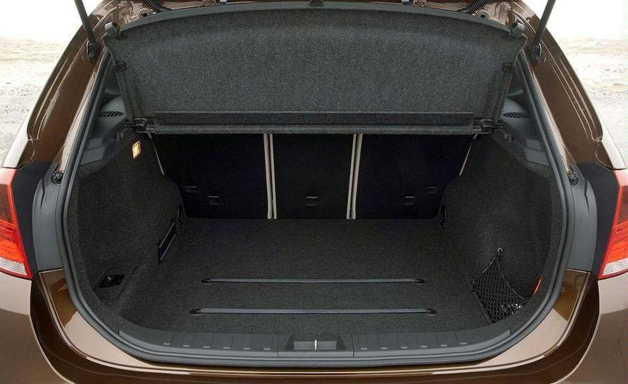 2011 BMW X1s - Slide 59