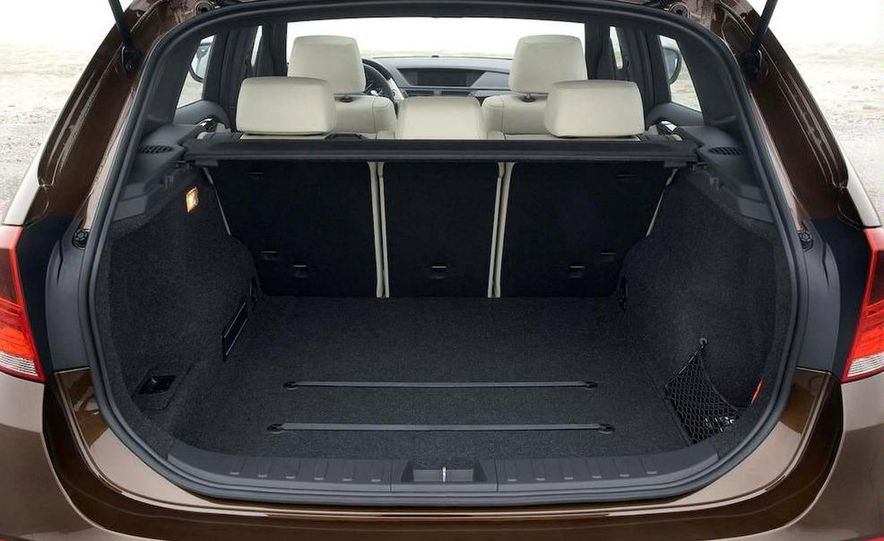2011 BMW X1s - Slide 60