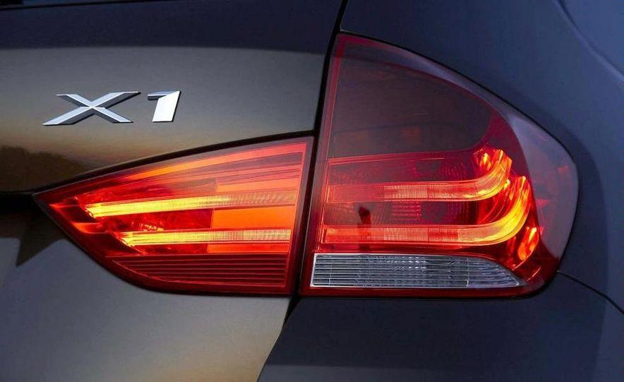 2011 BMW X1s - Slide 38