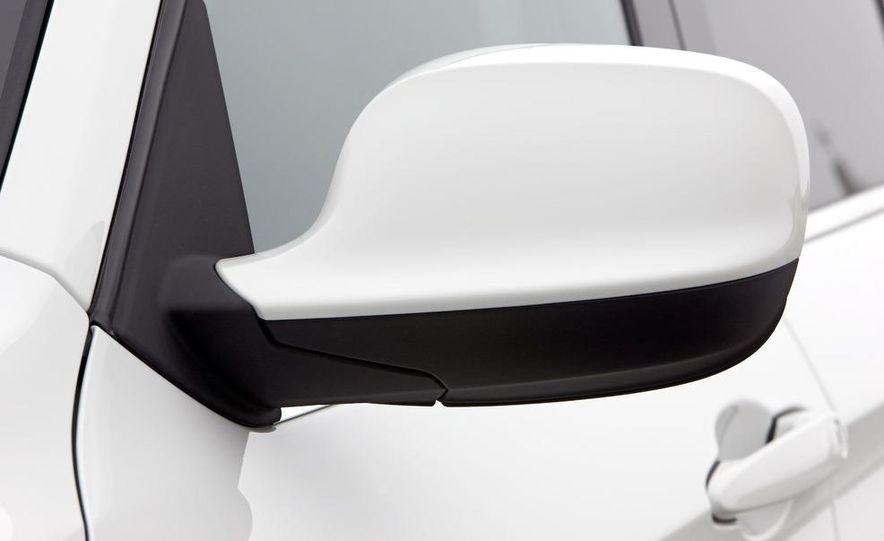 2011 BMW X1s - Slide 103