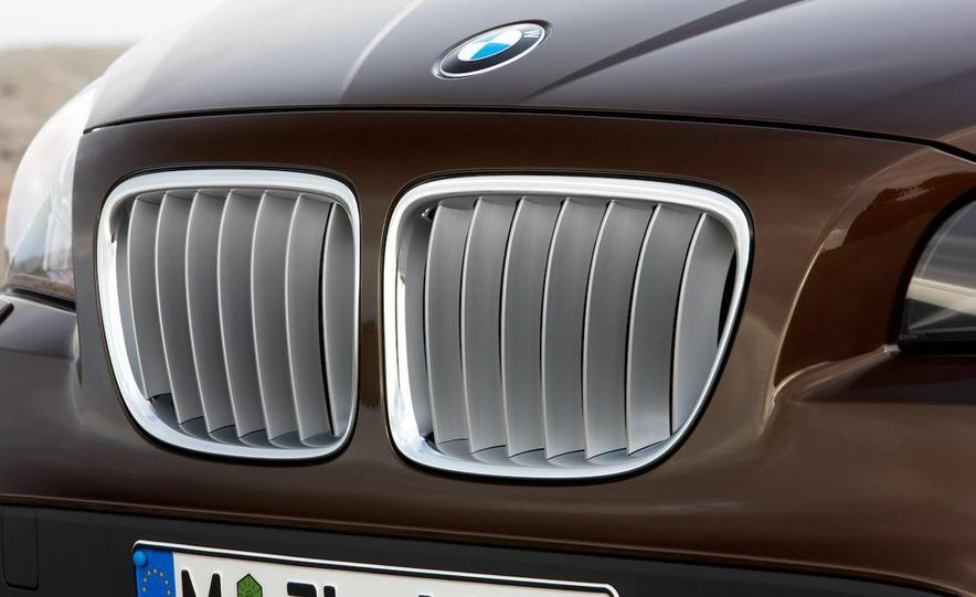 2011 BMW X1s - Slide 46