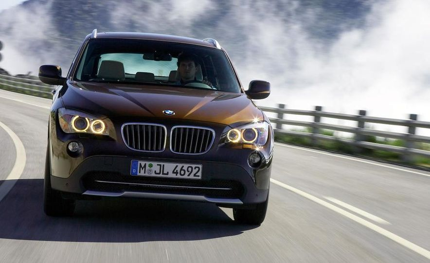 2011 BMW X1s - Slide 3