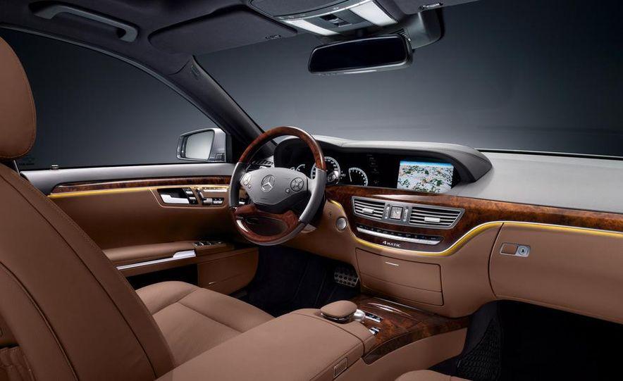 2010 Mercedes-Benz S500 interior - Slide 12
