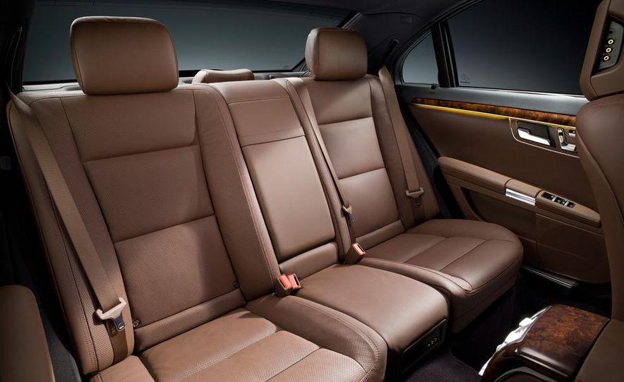 2010 Mercedes-Benz S500 interior - Slide 15