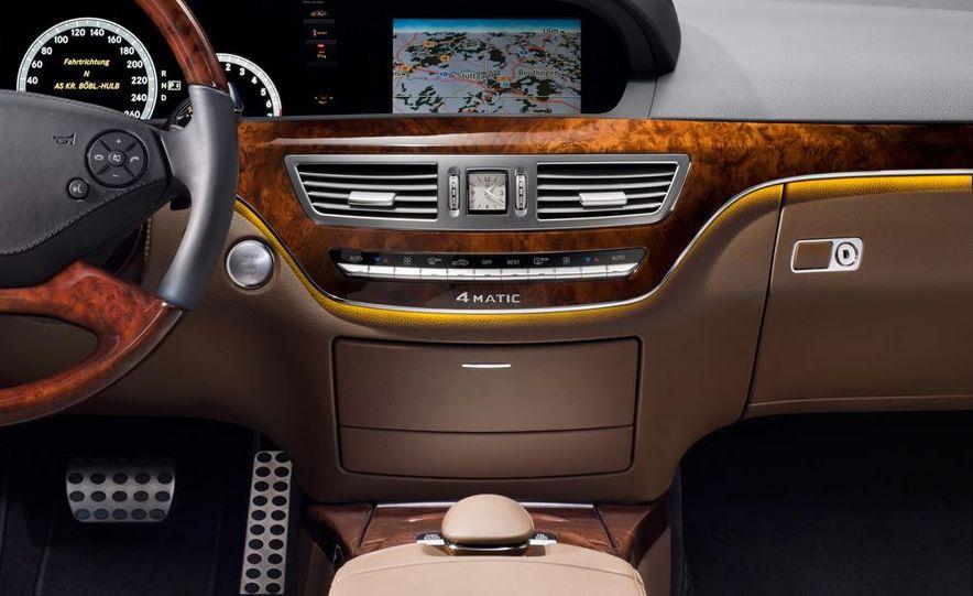 2010 Mercedes-Benz S500 interior - Slide 14