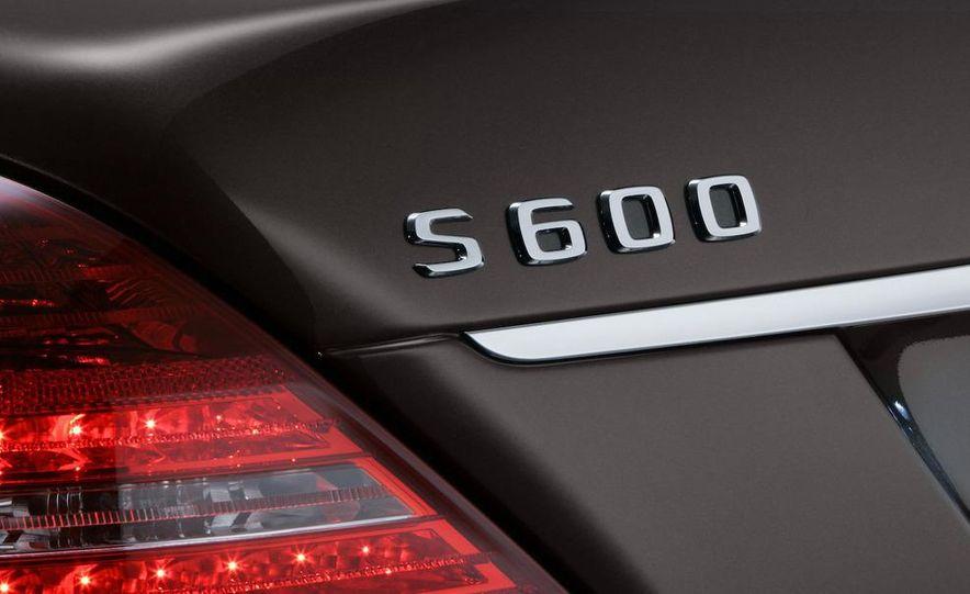 2010 Mercedes-Benz S500 interior - Slide 21