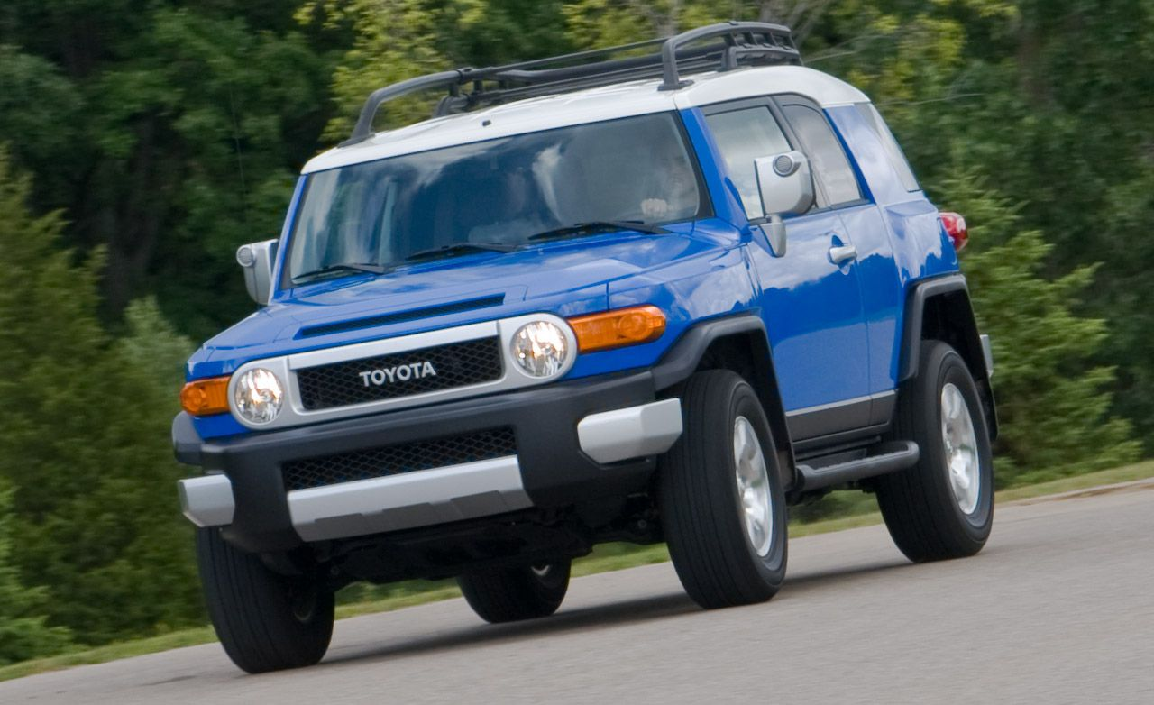 2009 toyota fj cruiser instrumented test car and driver. Black Bedroom Furniture Sets. Home Design Ideas