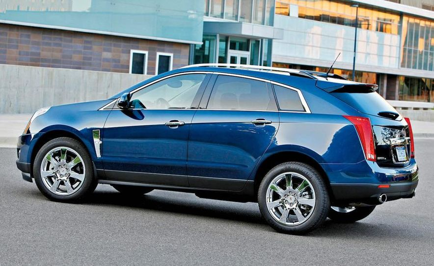 2010 Cadillac SRX4 - Slide 3