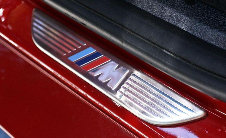 2010 BMW X6 M - Slide 2