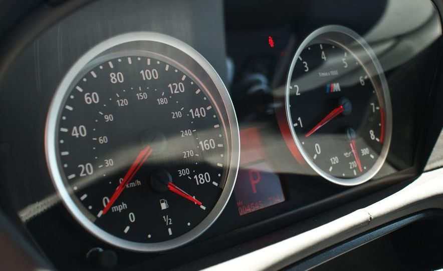 2010 BMW X6 M - Slide 17